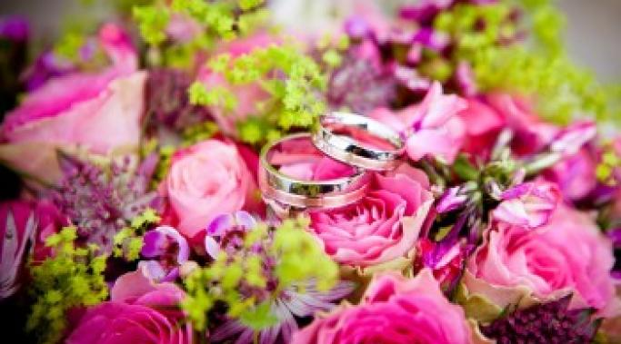 Wedding season presents challenges for sober people in recovery. Learn tips for staying sober during weddings and other events this summer. Check this out..