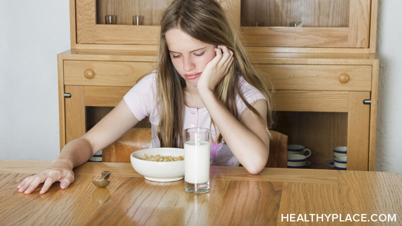 Discussing eating disorder triggers related to food anxiety and how to avoid and cope with those eating disorder triggers.