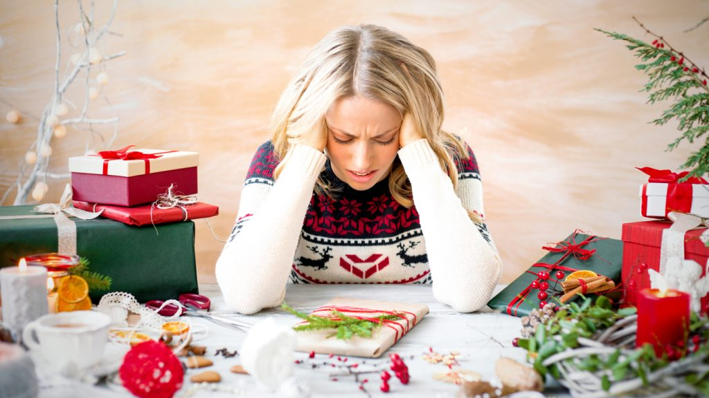You can manage holiday stress and gain confidence. Here are 15 tips that will help you stress less and enjoy more this holiday season. Take a look.